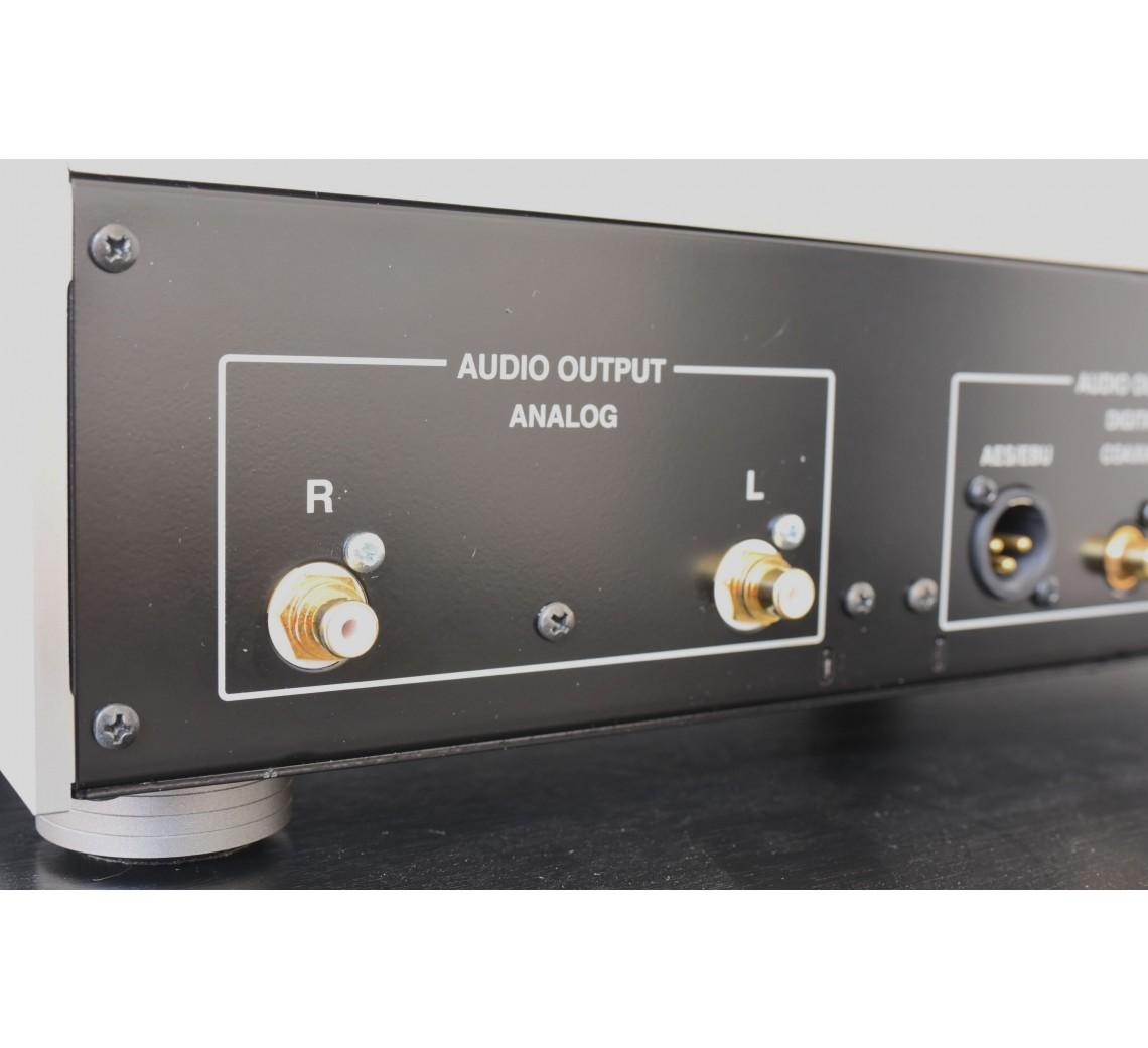 Onkyo C-7000R CD-afspiller-01