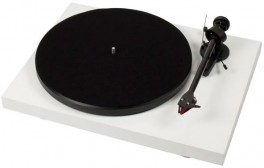 Pro-Ject Debut Carbon Phono USB-20